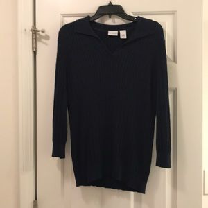 True navy color colored small V-neck sweater